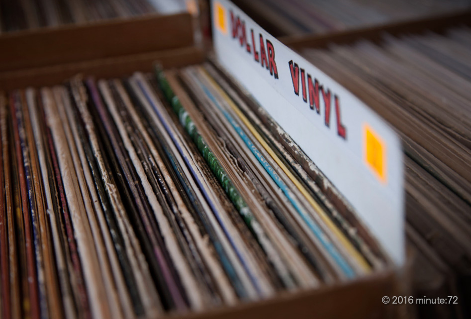 fingerprintes used vinyl